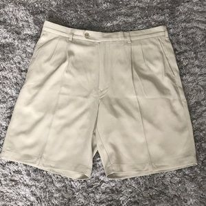 Tommy Bahama Pleated Tan Shorts